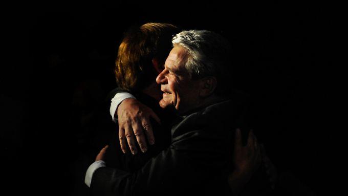 Wer den herzlichen Gauck erlebt, ist von seiner Prinzipienfestigkeit möglicherweise überrascht.