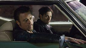 Zwei Blöde, ein Gedanke? Brad Pitt als Auftragskiller Jackie, Scott McNairy als Kleingangster Frankie.