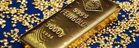 Knapp sieben Prozent des weltweiten Goldbestandes von 171.300 Tonnen entfallen auf die deutschen Privathaushalte und die Bundesbank.