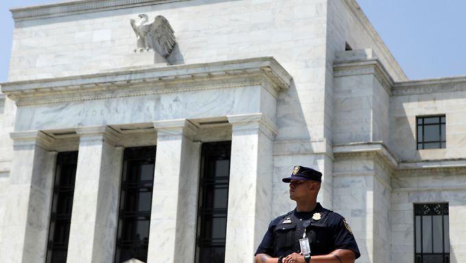 Die Fed will die Finanzmärkte sicherer machen. Das könnte die Deutsche Bank einen Milliardenbetrag kosten.