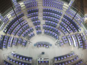 Nach der Sitzung: Das leere Plenum des Deutschen Bundestags.