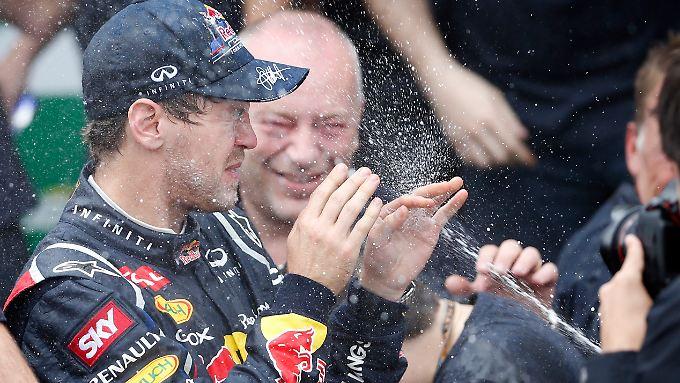 Auf ins Party-Wochenende: Sebastian Vettel.