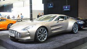 Fast in der Bedeutungslosigkeit versinkt Aston Martin auf der Messe.