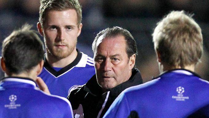 Für sie geht es immerhin noch um den Gruppensieg: Trainer Huub Stevens und seine Schalker.