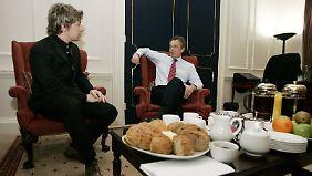 2005 kann Jamie Oliver Premier Tony Blair überzeugen: Gesünderes Essen macht klügere Kinder.