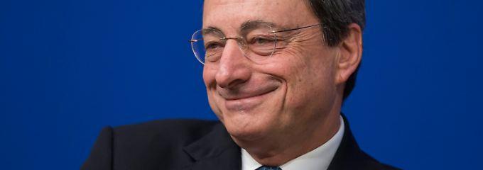 Bringt zur EZB-Sitzung wohl keine Geschenke mit: Mario Draghi.