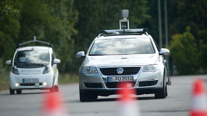 """Projekt """"AutoNOMOS"""" (Autonomie- und Fahrassistenzsysteme für Pkw und Lkw) des Forschungsministeriums. Die autonomen Fahrzeuge sollen am Ende ganz ohne Fahrer auskommen."""