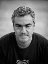Reinaldo Coddou: Buchautor, Herausgeber, Fußballfotograf und -fan.