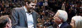 Nowitzki kann nicht mitspielen, hat aber trotzdem gewonnen.
