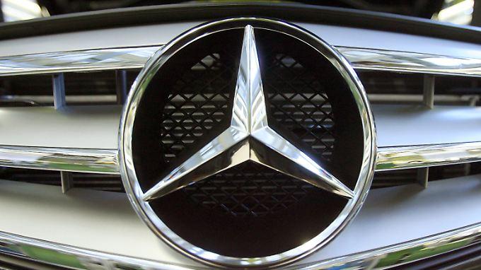 Konzernumstrukturierung im Zeichen des Sterns: Autoexperte Helmut Becker kritisiert sie.