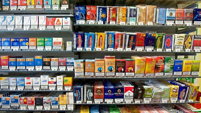Nicht nur der Finanzminister, auch der Handel verdient gut an den Nikotinabhängigen.