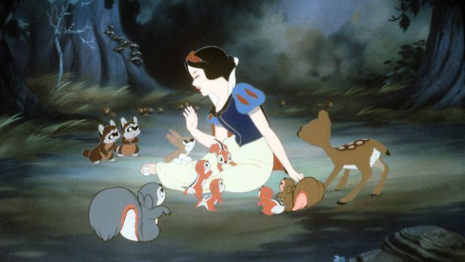 """Grimms Märchen sind längst Weltkultur: Szene aus Walt Disneys """"Schneewittchen und die sieben Zwerge"""". Der Film kam vor 75 Jahren, am 21. Dezember 1937 in den USA in die Kinos."""