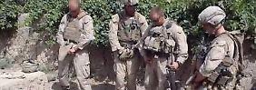 Screenshot aus dem Video. Die Soldaten werden einer nach dem anderen verurteilt.