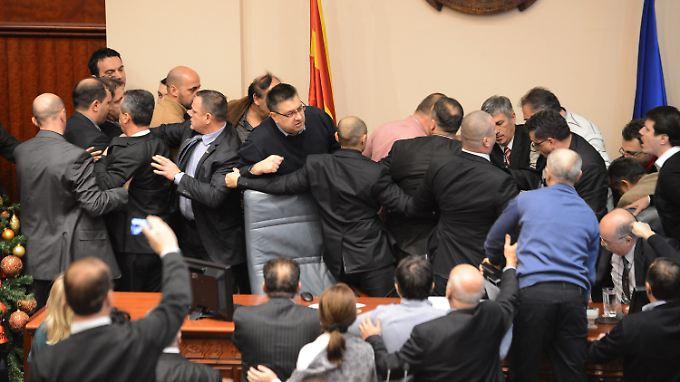 Schlagkräftige Argumente in Mazedonien.