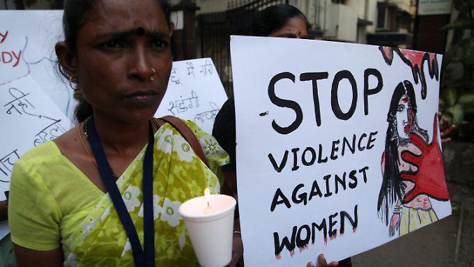 Nach dem Tod der 23-jährigen Studentin gingen viele Demonstranten auf die Straße.
