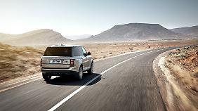 Der Range Rover sieht aus wie ein Range Rover aussehen muss, wirkt aber in der Neuauflage moderner.