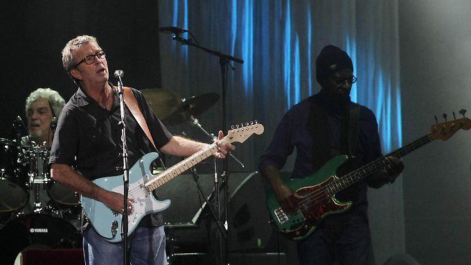 """Eric Claptons legendäres """"Slowhand""""-Album kommt jetzt mit Bonustracks und einer Gesamtaufnahme des 77-er-Konzerts."""