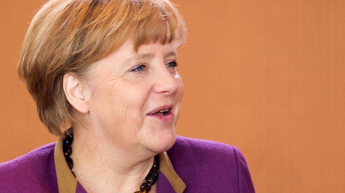 Angela Merkel ist mit ihrem Gehalt zufrieden.