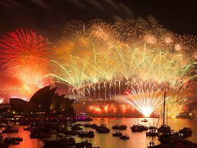 Mega-Feuerwerk über dem Hafen von Sydney.