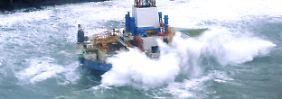 Vor Alaska auf Grund gelaufen: Retter landen auf Plattform