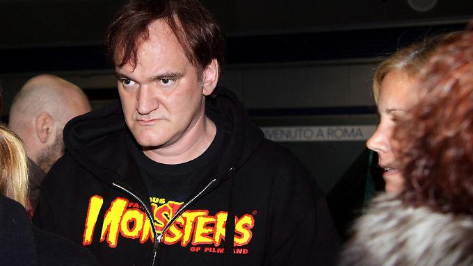 "Monsterblick, Monstershirt: Quentin Tarantino am 3. Januar bei seiner Ankunft in Rom, wo er beim Filmfestival den ""Career Achievement Award"" verliehen bekommt."
