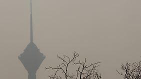 Smog gehört zum Stadtbild Teherans.