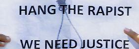 Klare Forderung: Sie wollen den Tod der Angeklagten.