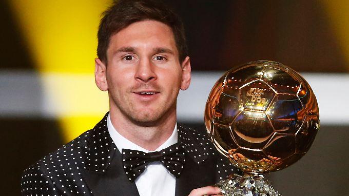 Gute Bekannte: Lionel Messi und der Ballon d'Or, die Auszeichnung für den besten Fußballer der Welt.