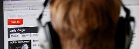 Ein falscher Download - und schon droht die Abmahnfalle. Foto: Oliver Berg