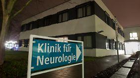 Am Eingang zu den Kliniken am Gesundbrunnen in Heilbronn.