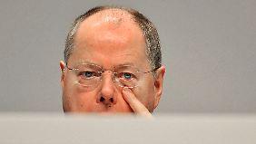 Debatte reißt nicht ab: SPD-Spitze stellt sich hinter Steinbrück