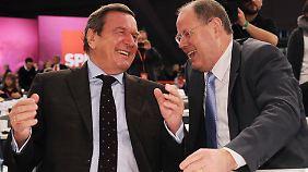 Der eine war's schon, der andere will's noch werden: Ex-Kanzler Schröder und Kandidat Steinbrück.