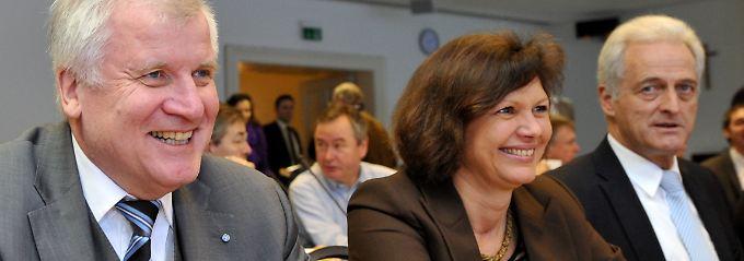 Fast lautlos hat die CSU-Spitze in Kreuth das Koalitionsabkommen aufgelöst.