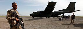 Logistische Unterstützung: Die Bundeswehr könnte Truppentransporter beisteuern.