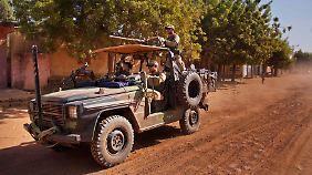 Französische Soldaten in der Stadt Markala nördlich von Bamako.
