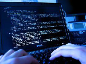 Spionage weltweit - der erste Teil des Codes kam per E-Mail.