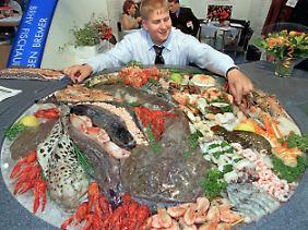 Mindestens zwei Mal in der Woche sollte Fisch auf dem Speiseplan stehen.