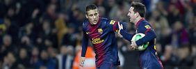 Das war der Ausgleich: Lionel Messi, rechts, feiert sein Tor mit dem Kollegen Cristian Tello.