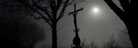 Opfer-Hotline offenbart Abgründe: Priester nutzten schamlos Macht