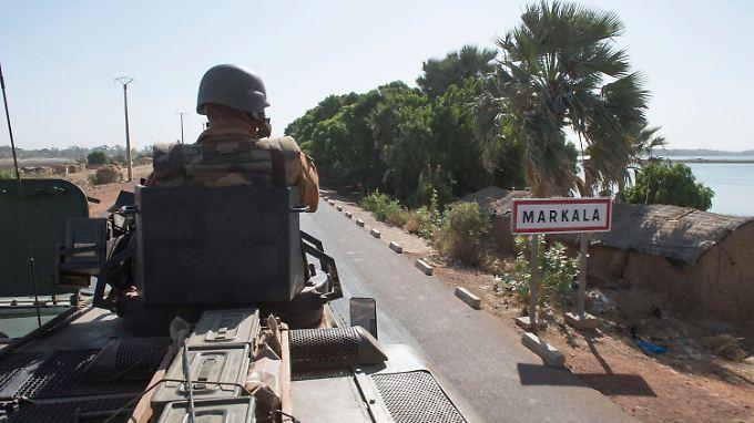Französische Soldaten unterwegs Richtung Norden.