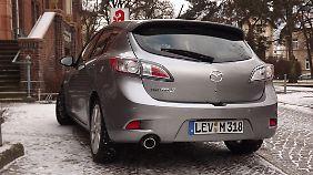"""Von hinten wirkt der Mazda3 dynamisch oder wie ein """"lustiger Käfer""""."""
