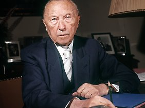 Adenauer tritt im Herbst 1963 als Bundeskanzler ab.