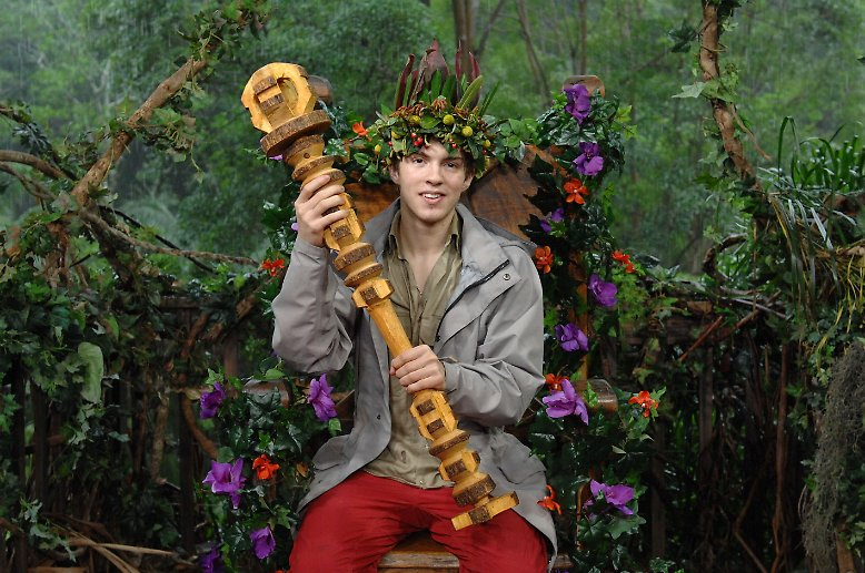 ... ihm hier. Joey Heindle heißt der neue Dschungelkönig.