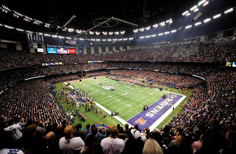 Es war wie jedes Jahr beim Super Bowl. Ganz ...