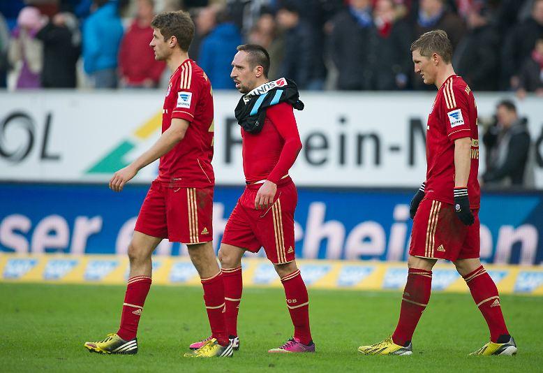 Die Münchner Bayern sind auf ihrem Weg zum 23. Meistertitel nicht aus der Bahn zu werfen. Der Sieg bei der abstiegsbedrohten TSG Hoffenheim bedeutet Saisonerfolg Nummer 20.