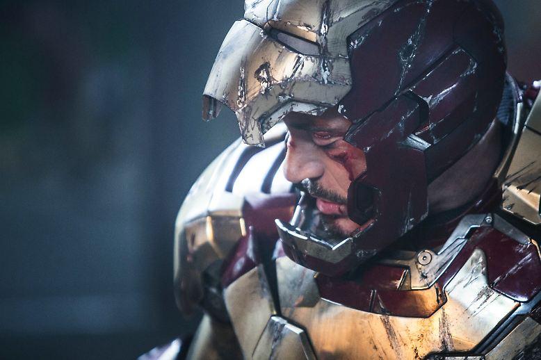 """So, da ist er ja wieder. Sieht ein bisschen angekratzt aus, der """"Iron Man""""."""