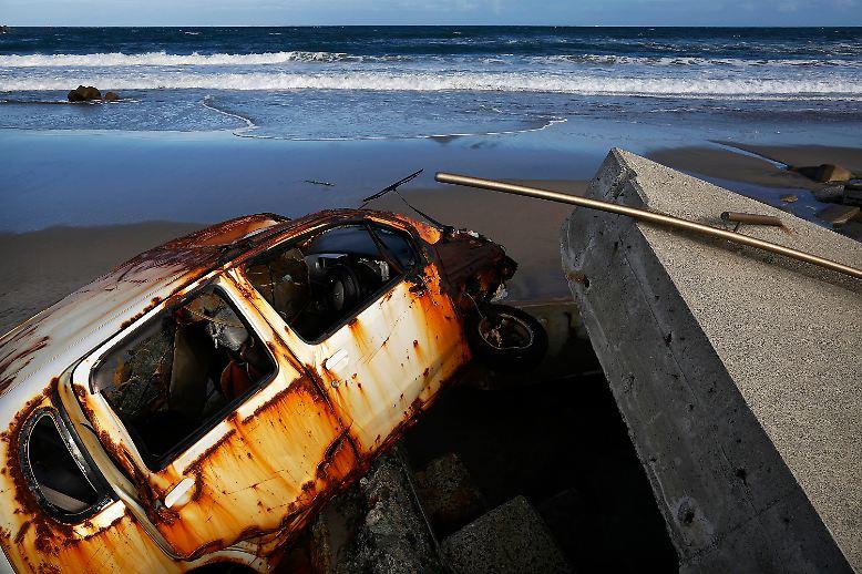 Zerstörte Autos, ...