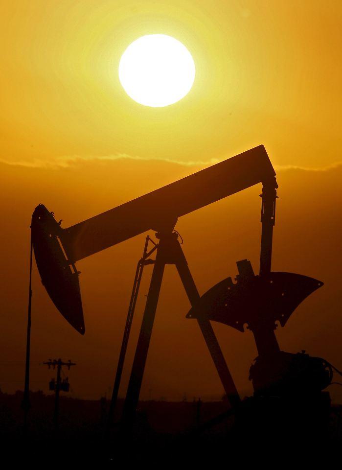Die Ölpreise in Europa hängen unter anderem von der Entwicklung der Devisenmärkte ab. Das hängt damit zusammen, dass Öl an den Rohstoffbörsen in Dollar gehandelt wird. Steigt der Dollar in Relation zum Euro, wird das Heizöl in Europa tendenziell teurer.5/5(K).