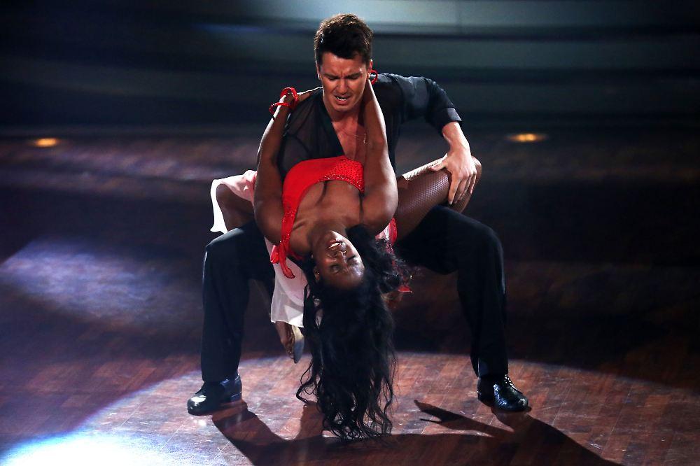 halbfinale bei let 39 s dance the dance chico is back n. Black Bedroom Furniture Sets. Home Design Ideas