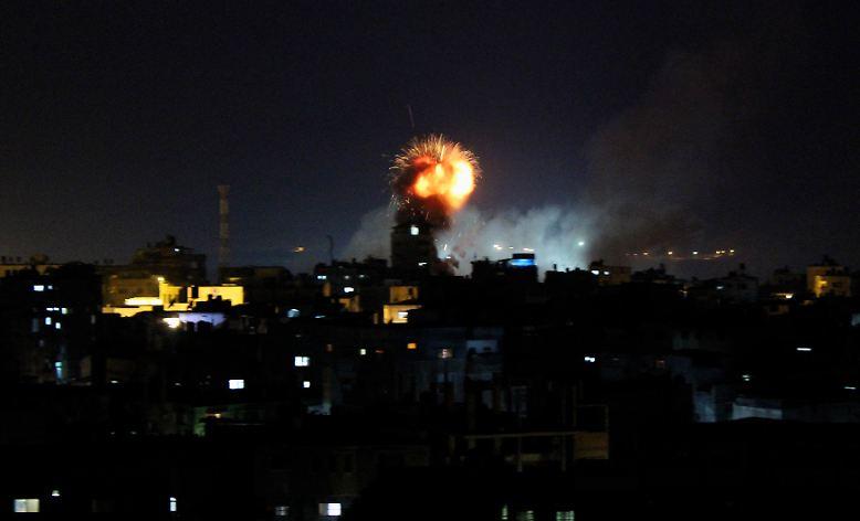 Explosionen im Gaza-Streifen, ...